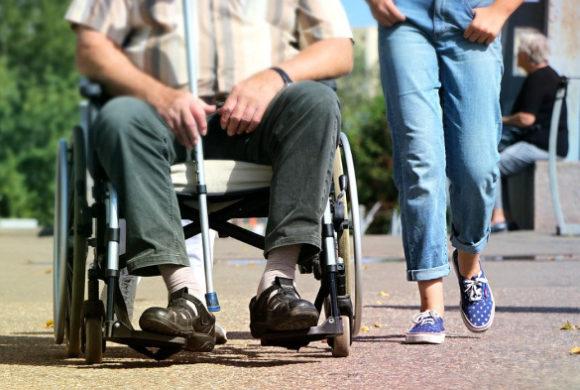 Sprzęt rehabilitacyjny dla osób po udarze mózgu