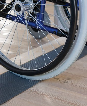Threshold rubber ramps