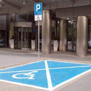 Karta i miejsce parkingowe dla niepełnosprawnych