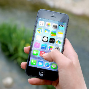 Aplikacje mobilne dla niepełnosprawnych – Jak mogą pomóc w codziennym życiu?